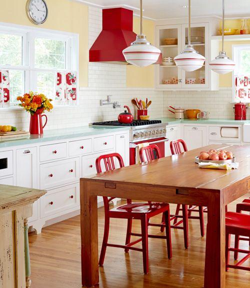 8 saveznika za stvaranje retro kuhinje indizajn s for Retro kitchen ideas pinterest